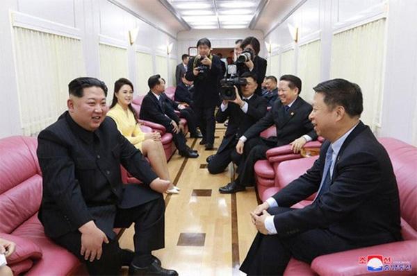 Đoàn tàu siêu kiên cố của ông Kim vừa đến Việt Nam: Đạn xuyên giáp bắn không thủng, thách thức cả bom, mìn-6