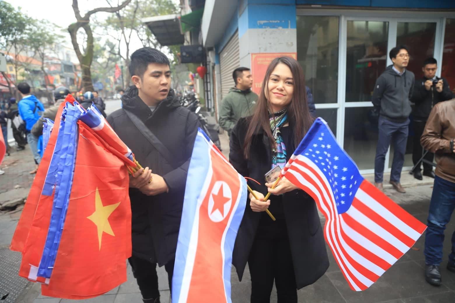Ông Kim Jong-un cười rạng rỡ khi đến Hà Nội-21