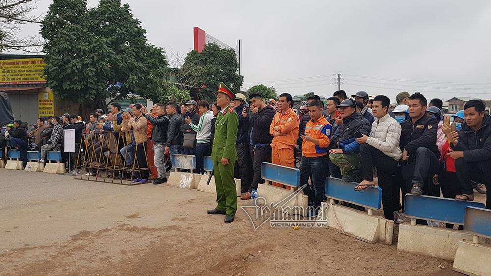Ông Kim Jong-un cười rạng rỡ khi đến Hà Nội-16