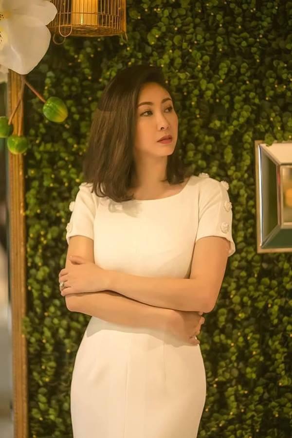 Á hậu Trịnh Kim Chi, HHen Niê rạng rỡ áo dài gây náo loạn đường phố-12