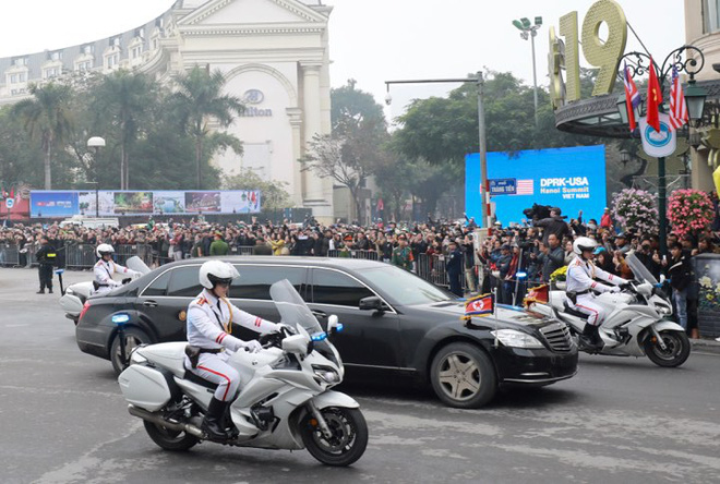 Xe chống đạn của ông Kim Jong Un lăn bánh trên đường phố Hà Nội-5