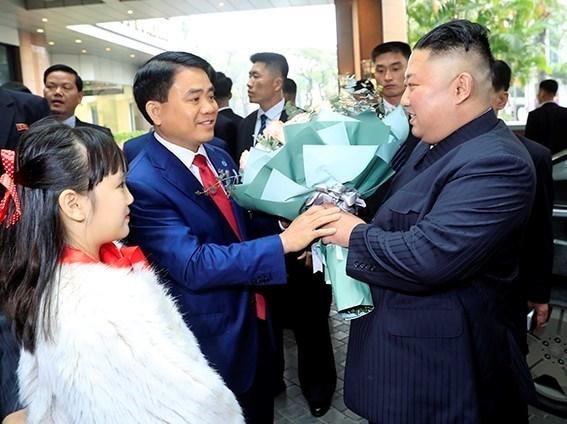 Ông Kim Jong-un cười rạng rỡ khi đến Hà Nội-2