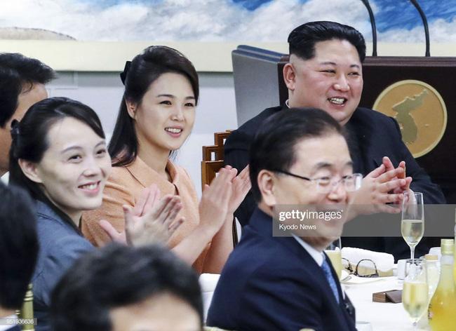 Ngoài phong cách, Đệ nhất phu nhân Triều Tiên còn sở hữu làn da và mái tóc đáng ngưỡng mộ-4