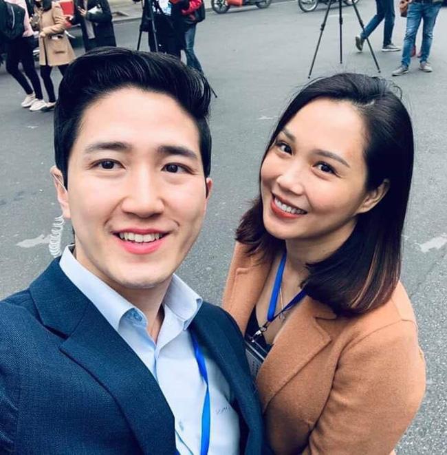 Xuất hiện nam phóng viên cực phẩm với góc nghiêng thần thánh tác nghiệp trong sự kiện thượng đỉnh Mỹ - Triều ở Hà Nội-2