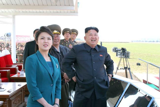 Những tiết lộ hiếm hoi về 3 người con của ông Kim Jong-un và người vợ xinh đẹp-2