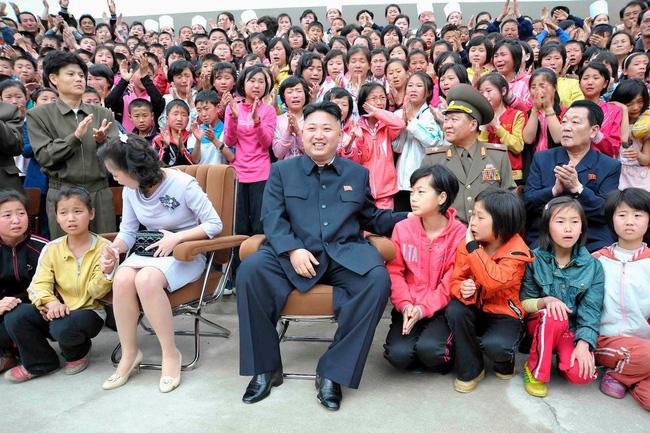 Những tiết lộ hiếm hoi về 3 người con của ông Kim Jong-un và người vợ xinh đẹp-5