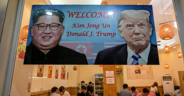 Tổng thống Trump cảm ơn Việt Nam sau khi đặt chân tới Hà Nội-37