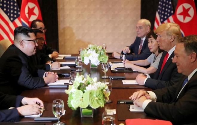 Tổng thống Trump cảm ơn Việt Nam sau khi đặt chân tới Hà Nội-47