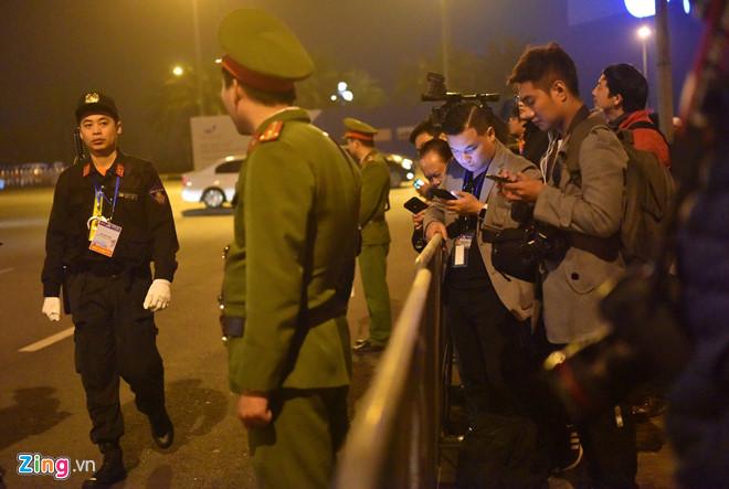 Tổng thống Trump cảm ơn Việt Nam sau khi đặt chân tới Hà Nội-30