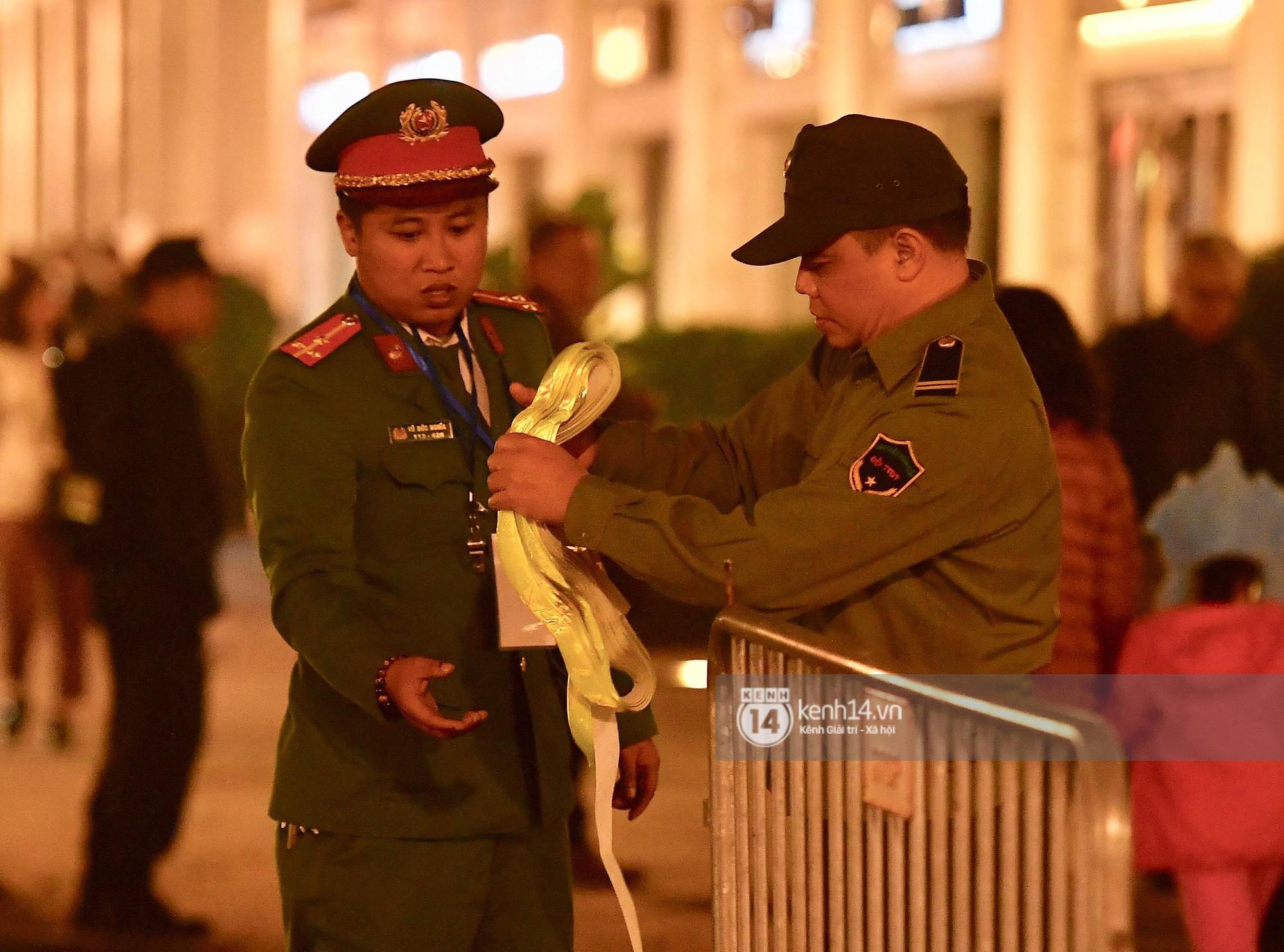 Tổng thống Trump cảm ơn Việt Nam sau khi đặt chân tới Hà Nội-22