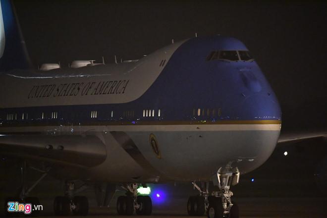 Tổng thống Trump cảm ơn Việt Nam sau khi đặt chân tới Hà Nội-14
