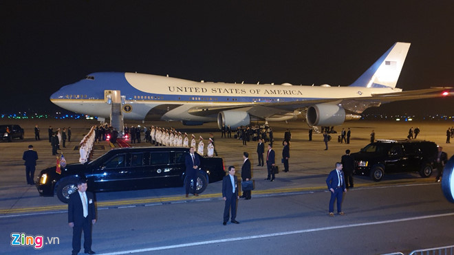 Tổng thống Trump cảm ơn Việt Nam sau khi đặt chân tới Hà Nội-15