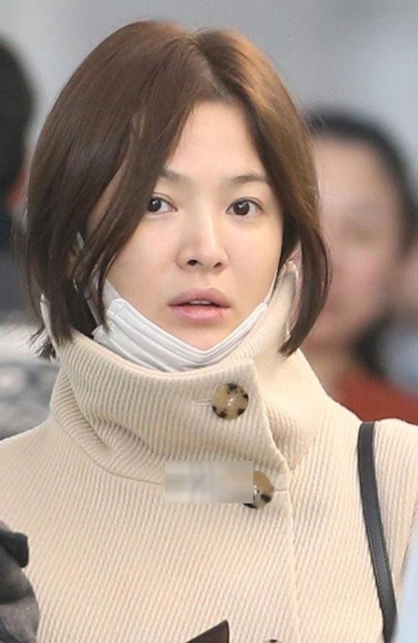 Shock trước hình ảnh soi kỹ làn da của Song Hye Kyo, ai nấy đều chẳng nói nên lời bởi...-10