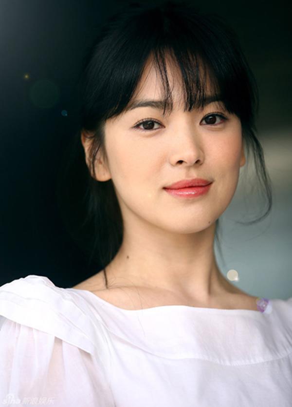 Shock trước hình ảnh soi kỹ làn da của Song Hye Kyo, ai nấy đều chẳng nói nên lời bởi...-3