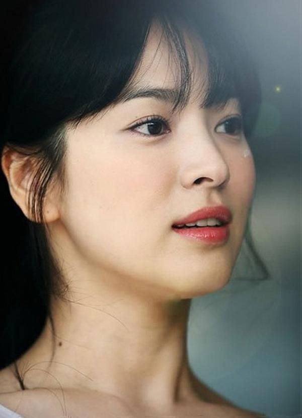 Shock trước hình ảnh soi kỹ làn da của Song Hye Kyo, ai nấy đều chẳng nói nên lời bởi...-4