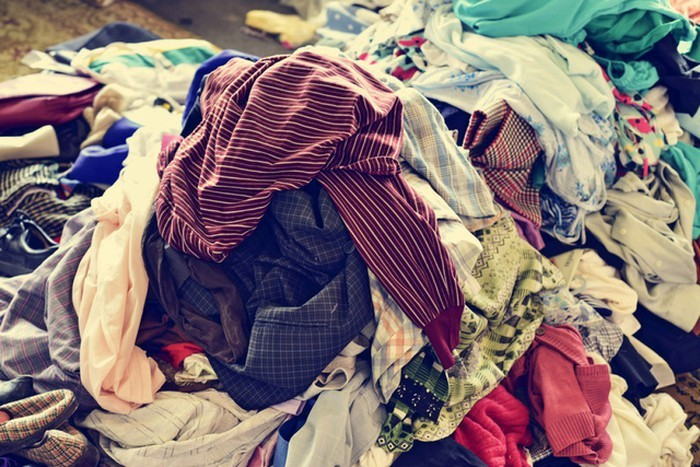 Cô gái dọn tủ vứt bỏ đi 5 bao tải quần áo: Cái kết bất ngờ sau 2 năm-1