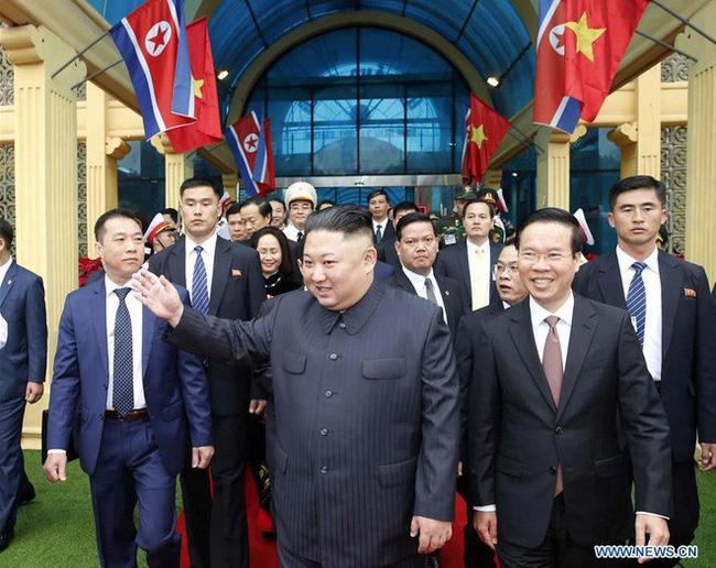Bí mật ẩn sâu trong bộ trang phục kinh điển và kiểu tóc trứ danh của lãnh đạo Triều Tiên: Kim Jong-un-2