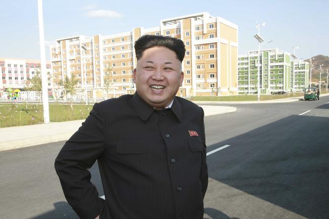 Bí mật ẩn sâu trong bộ trang phục kinh điển và kiểu tóc trứ danh của lãnh đạo Triều Tiên: Kim Jong-un-6
