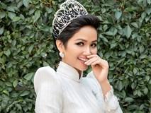 H'Hen Niê diện áo dài trắng thanh lịch quảng bá quốc tế trong lễ hội áo dài