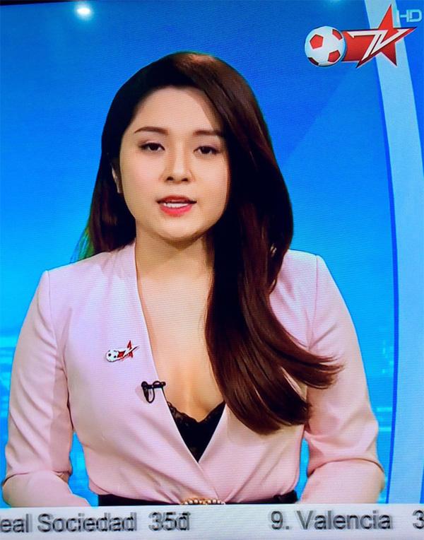 BTV truyền hình Việt gây sốc với trang phục quá gợi cảm khi dẫn chương trình-4