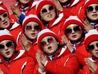 Vẻ đẹp thuần khiết của những nữ CĐV Triều Tiên
