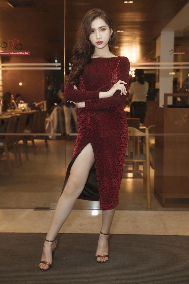 Đại diện Việt Nam thi Hoa hậu chuyển giới tung ảnh bikini nóng bỏng-10