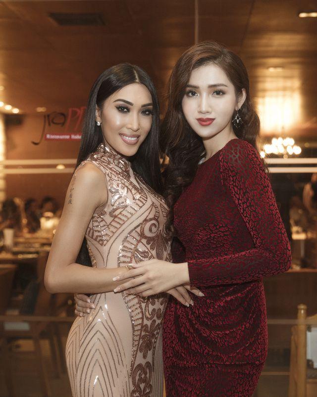Đại diện Việt Nam thi Hoa hậu chuyển giới tung ảnh bikini nóng bỏng-12