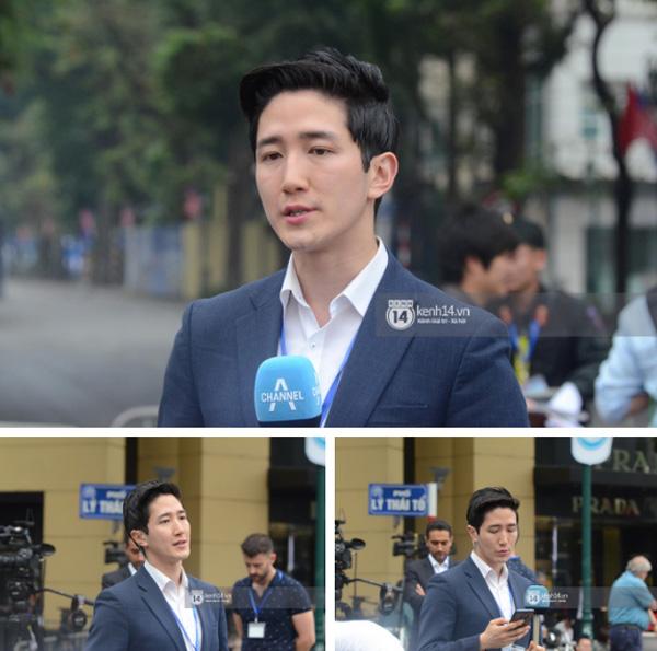 Nhiều chị em công sở bủa vây, tranh nhau chụp ảnh cùng nam phóng viên Hàn Quốc điển trai trên phố Hà Nội-3