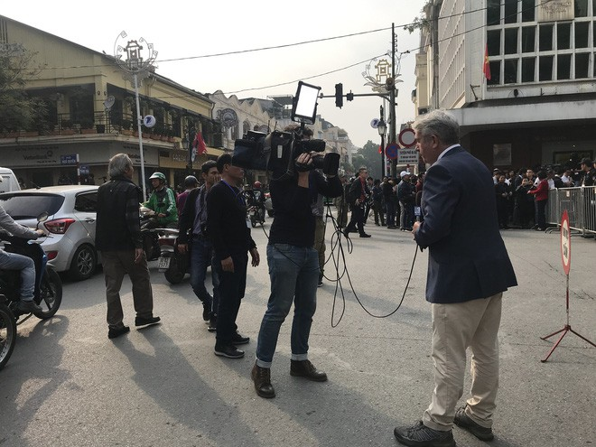 Độc đáo những trường quay siêu thực của phóng viên quốc tế tại kì thượng đỉnh Mỹ-Triều-10