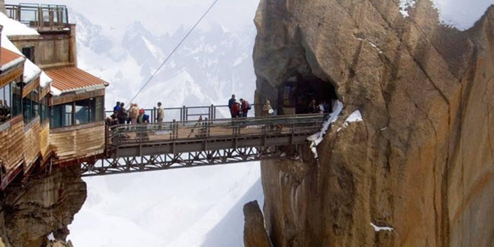 Việt Nam góp 2 đại diện trong top những cây cầu đáng sợ nhất thế giới-6