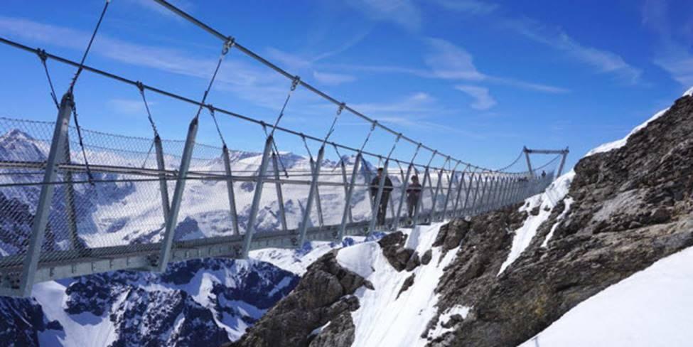 Việt Nam góp 2 đại diện trong top những cây cầu đáng sợ nhất thế giới-12
