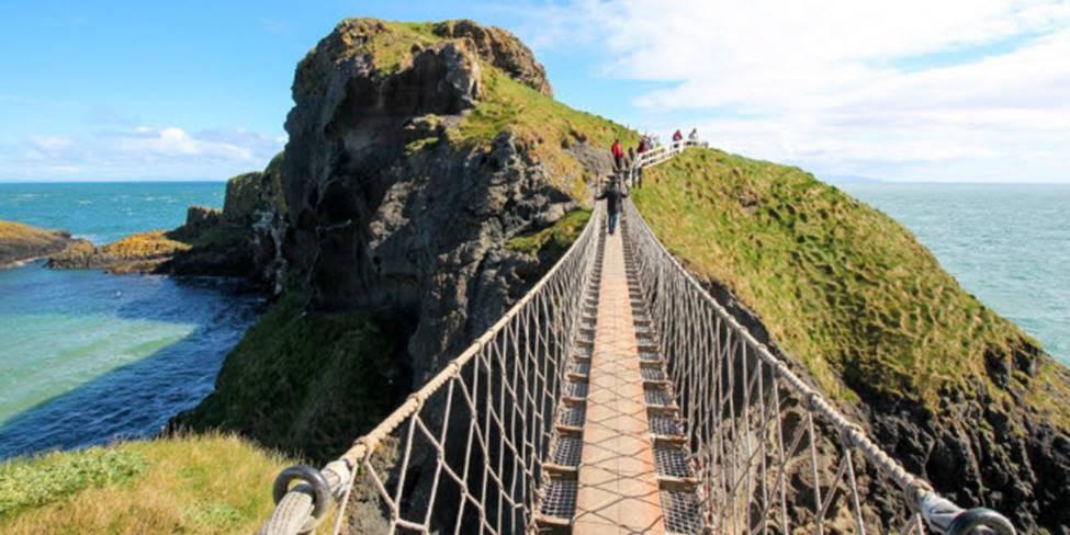 Việt Nam góp 2 đại diện trong top những cây cầu đáng sợ nhất thế giới-9