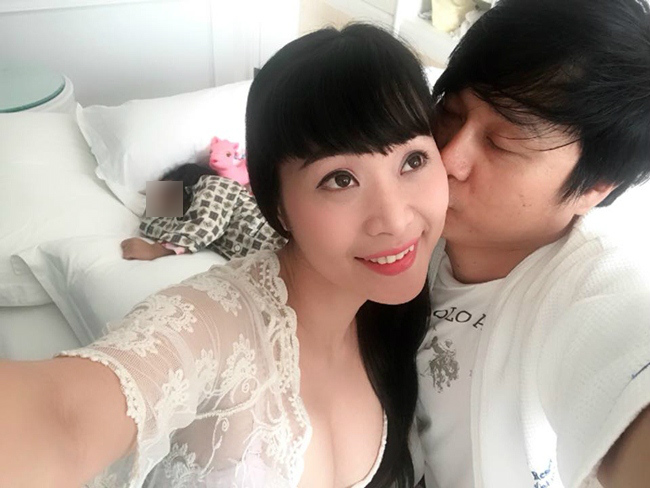 Nữ ca sĩ vẽ body painting sexy, lấy chồng hơn 8 tuổi giờ ra sao?-13
