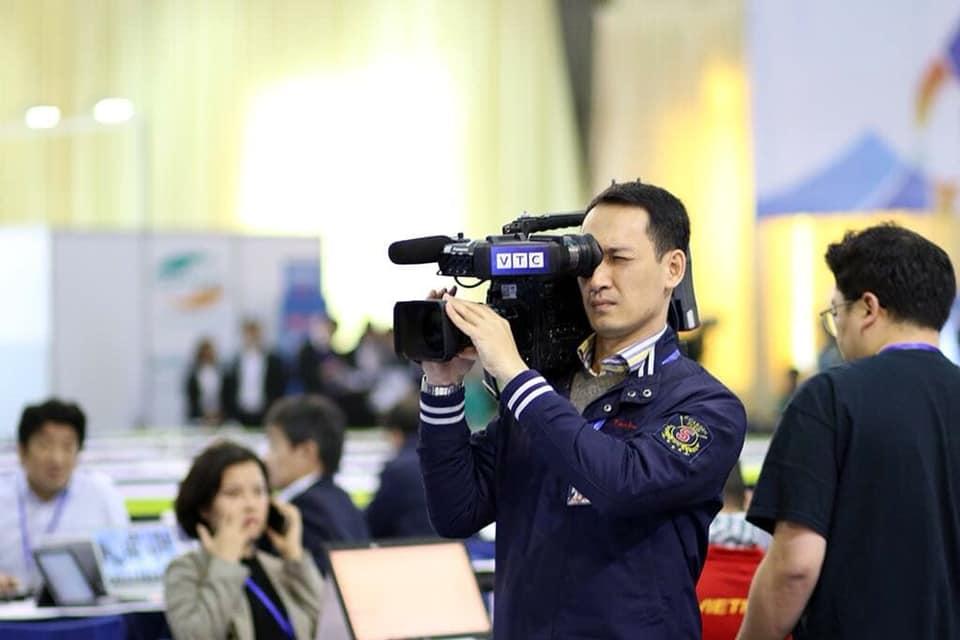 Đừng vội rụng trứng vì cực phẩm phóng viên xứ Hàn, dàn nhà báo Việt Nam thậm chí còn bảnh hơn nhiều-5
