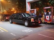 Xe 'Quái thú' của ông Trump đổ xăng sau khi rời khách sạn Metropole