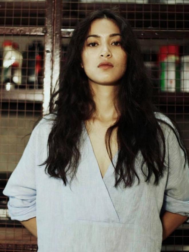 Johnny Trí Nguyễn xuống sắc thảm hại trong khi bạn gái Nhung Kate ngày càng lên hương-9
