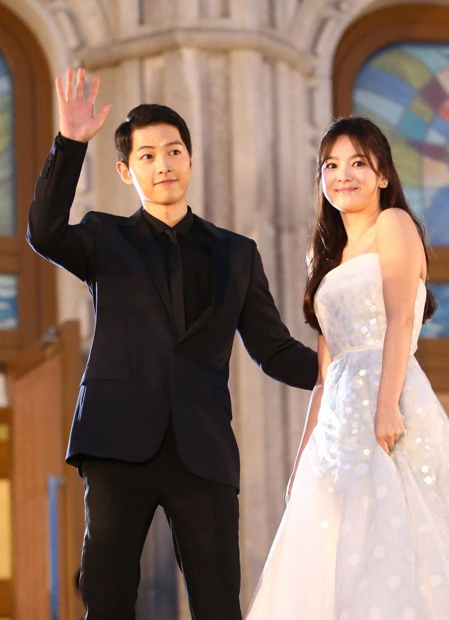 Những khoảnh khắc đẹp đến tan chảy của Song Joong Ki - Song Hye Kyo-3