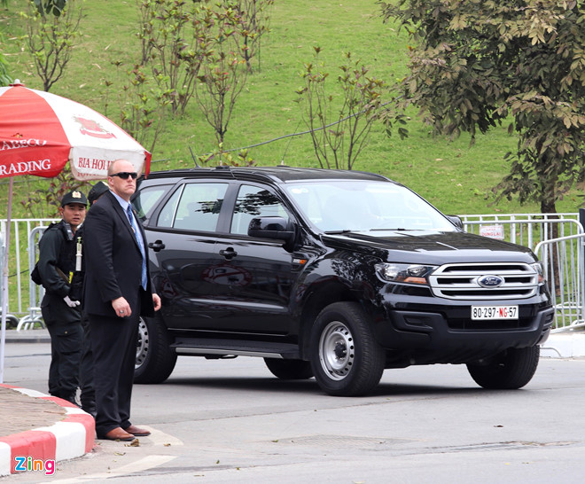 Tổng thống Trump lên Air Force One rời Nội Bài-15