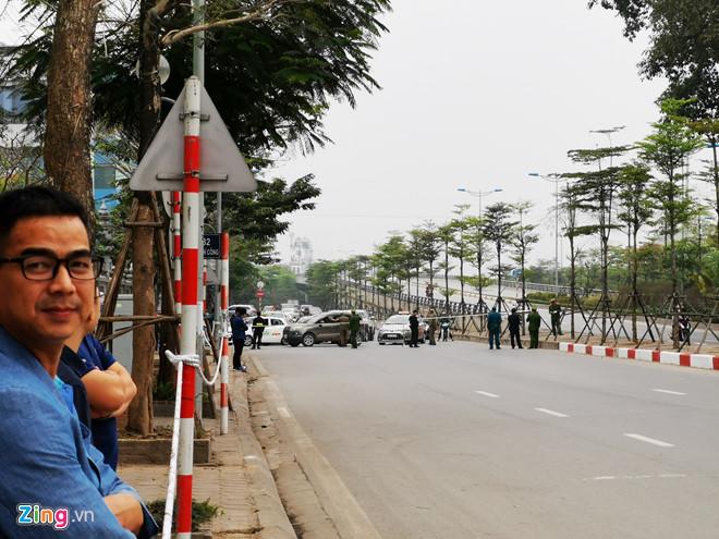 Tổng thống Trump lên Air Force One rời Nội Bài-22