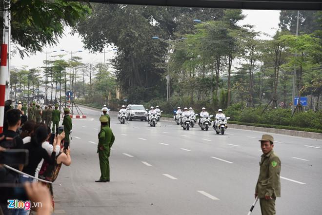Tổng thống Trump lên Air Force One rời Nội Bài-9