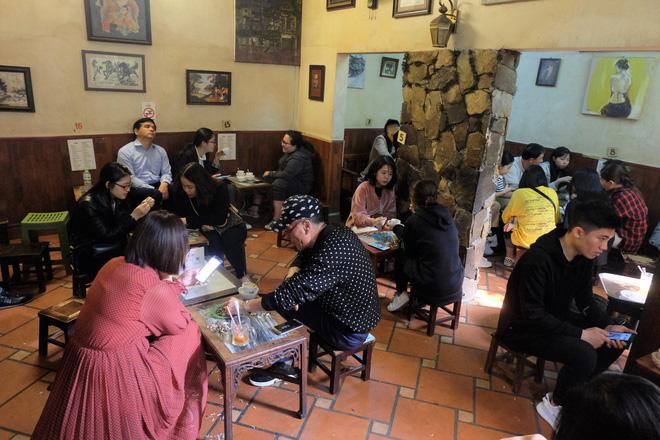 Chủ cafe Giảng: Khách đông khủng khiếp, không tính nổi bán bao nhiêu cốc đợt thượng đỉnh-2