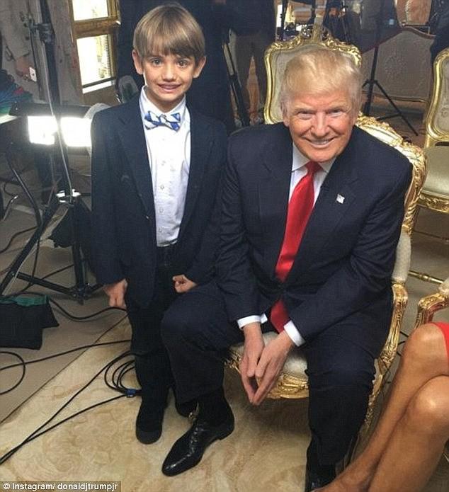 Sau quý tử út, đến lượt dàn cháu xinh như thiên thần của Tổng thống Trump gây sốt, nổi trội nhất là 3 đứa trẻ bên ngoại-5