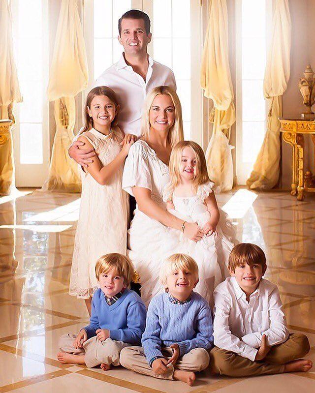 Sau quý tử út, đến lượt dàn cháu xinh như thiên thần của Tổng thống Trump gây sốt, nổi trội nhất là 3 đứa trẻ bên ngoại-1