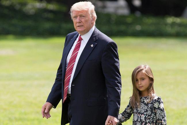 Sau quý tử út, đến lượt dàn cháu xinh như thiên thần của Tổng thống Trump gây sốt, nổi trội nhất là 3 đứa trẻ bên ngoại-17