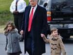 """Cậu út"""" nhà Tổng thống Donald Trump: Vẻ ngoài sáng láng như tài tử, gu thời trang chỉn chu lịch lãm ngay từ khi còn nhỏ xíu-18"""