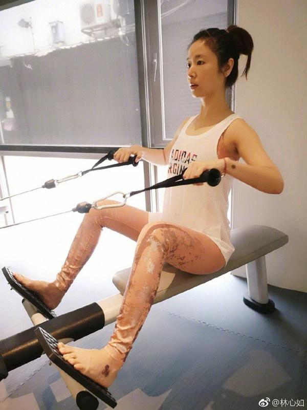 Bước sang tuổi 43, Lâm Tâm Như vẫn giữ dáng nuột nà nhờ những bí kíp này-15