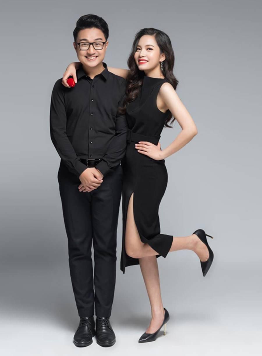 MC Cà phê sáng Dương Sơn Lâm tung ảnh cưới ngọt ngào với vợ 9X-7