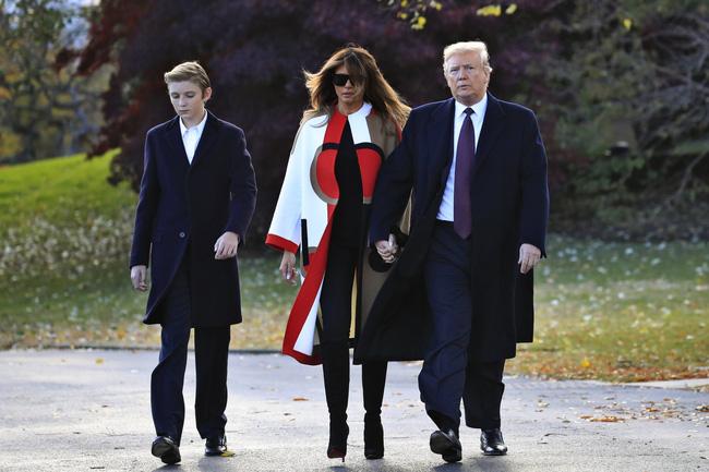 """Cậu út"""" nhà Tổng thống Donald Trump: Vẻ ngoài sáng láng như tài tử, gu thời trang chỉn chu lịch lãm ngay từ khi còn nhỏ xíu-10"""