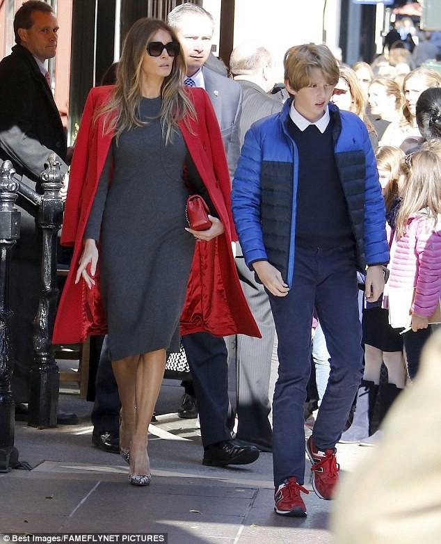 """Cậu út"""" nhà Tổng thống Donald Trump: Vẻ ngoài sáng láng như tài tử, gu thời trang chỉn chu lịch lãm ngay từ khi còn nhỏ xíu-12"""