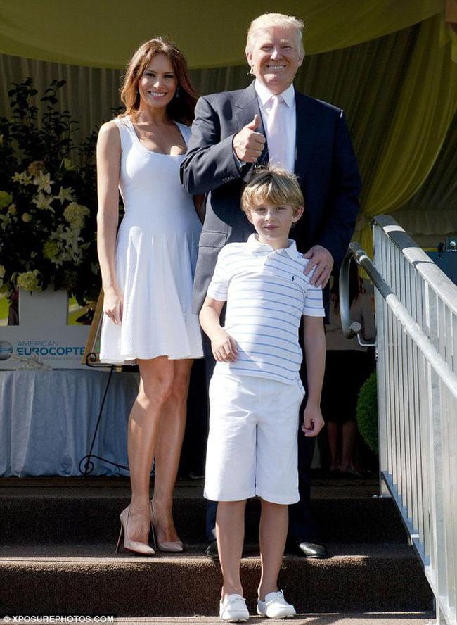"""Cậu út"""" nhà Tổng thống Donald Trump: Vẻ ngoài sáng láng như tài tử, gu thời trang chỉn chu lịch lãm ngay từ khi còn nhỏ xíu-4"""